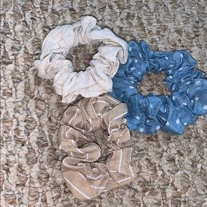 3 Hair scrunchies!